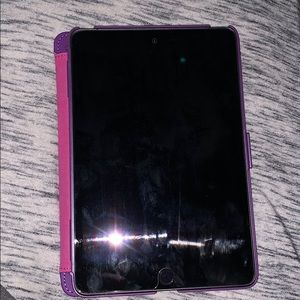 Ipad 4 mini with case & screen protector